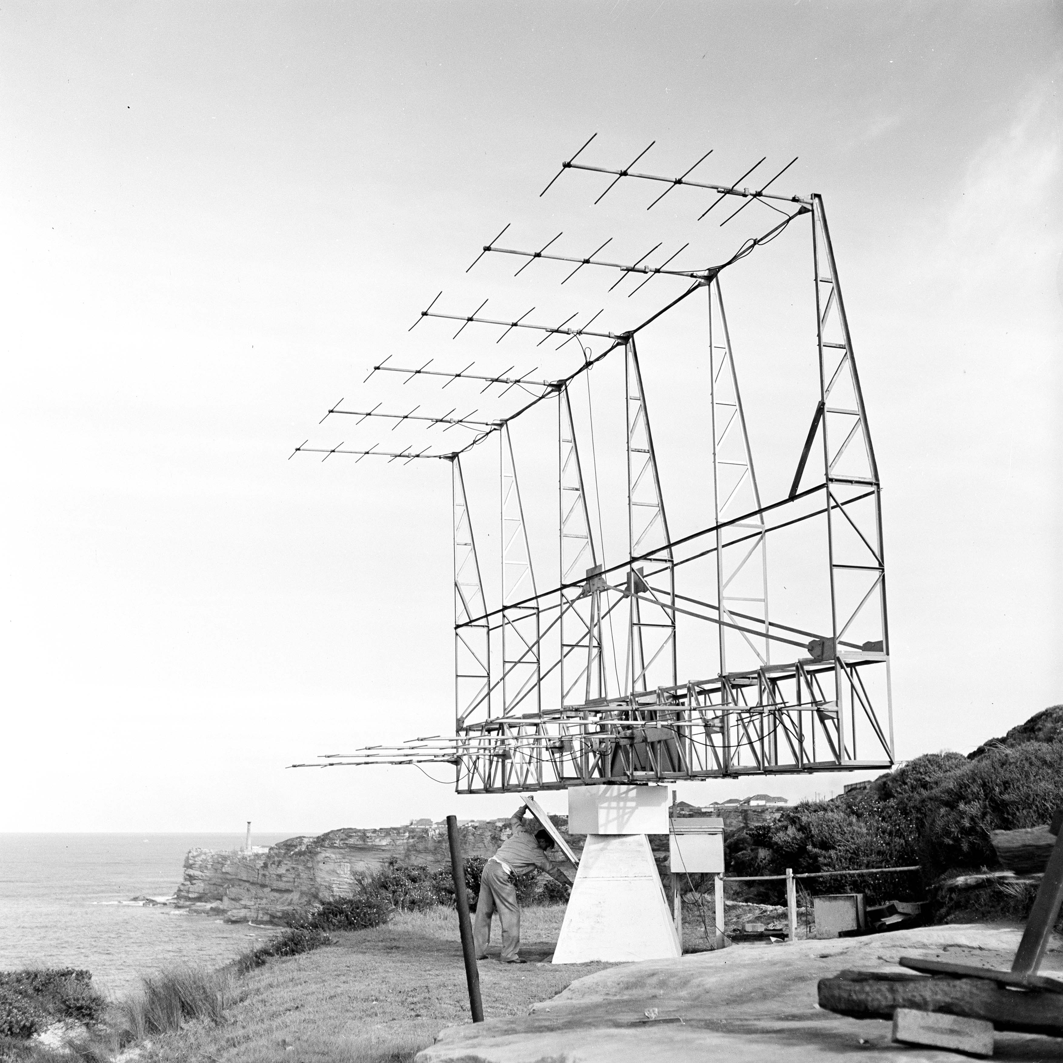 The 12 element Yagi array at Dover Heights (1952)
